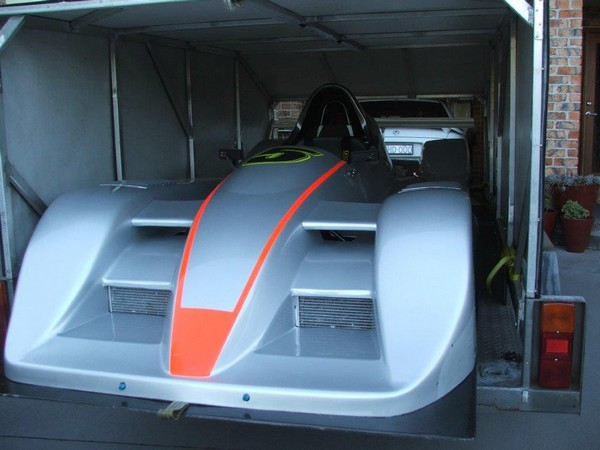 Race-8